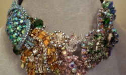 karen-lindner-use-high-res-jeweled-necklace-3-27-image