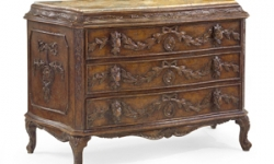 bachelor-chest-scrollwork-eur-01-0101_0